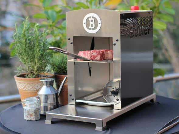 The beefer grill with Schwank ceramic tiles.